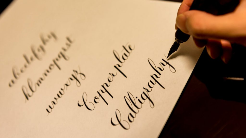 hand lettering font size